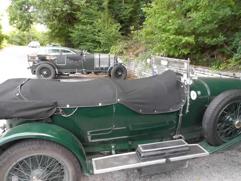 Παλιές Bentley στο Δίλοφο στο Ζαγόρι το καλοκαίρι τού 2013