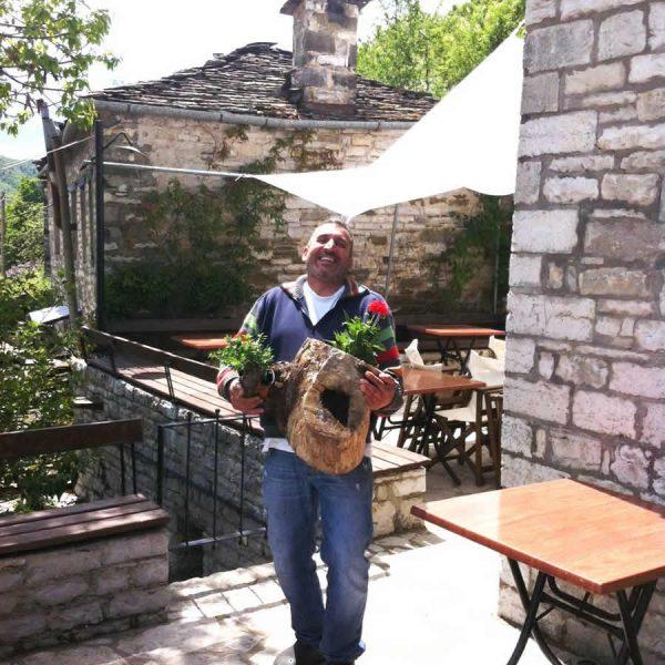 Άνοιξη στο εστιατόριο Λίθος στο Ζαγόρι