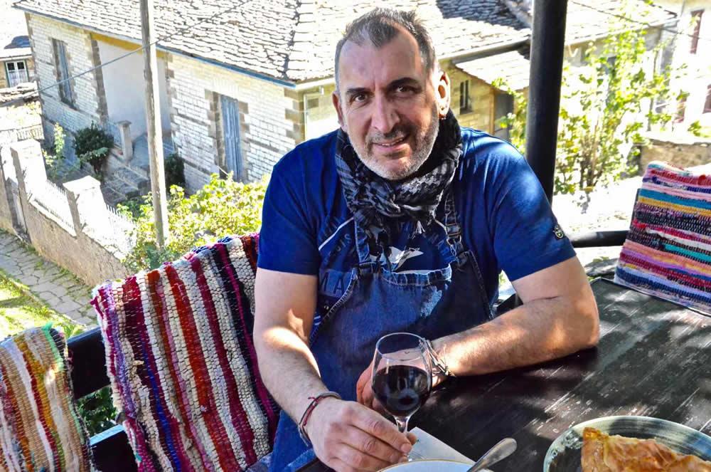 """Εστιατόριο Café Λίθος """"Στου Τάκη"""" – άρθρο τού greekgastronomyguide.gr"""